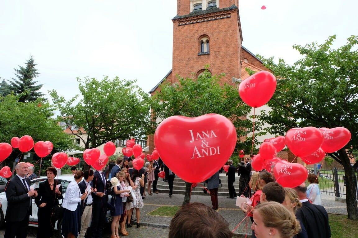 Luftballons zum Standesamt