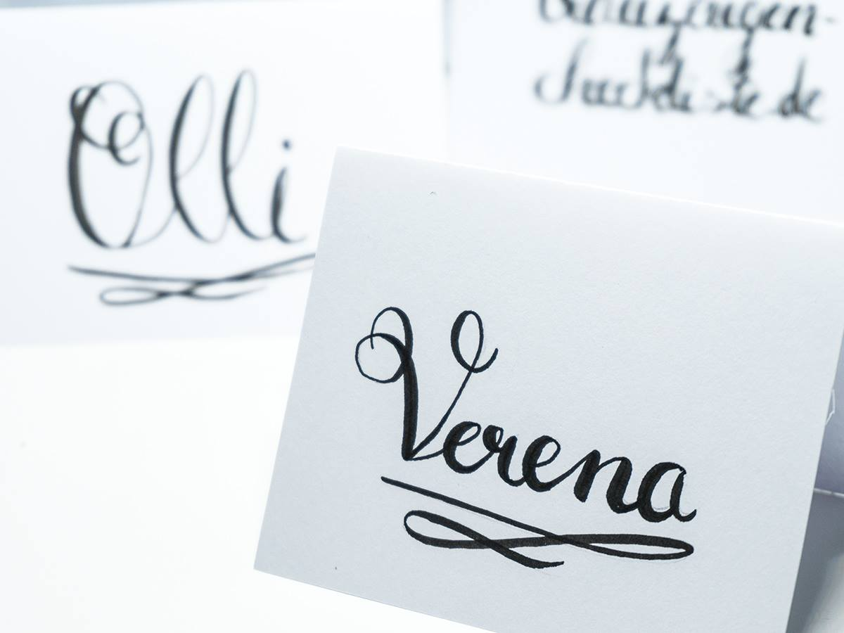 Tischkarten für die Hochzeit: Handlettering